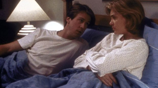 Howard (Alan Ruck, l.) und Joanne Sharp (Catherine Mary Stewart, r.) haben si...