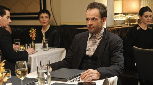 Ermittelt in einem neuen Fall: Sherlock Holmes (Jonny Lee Miller) ... © CBS T...