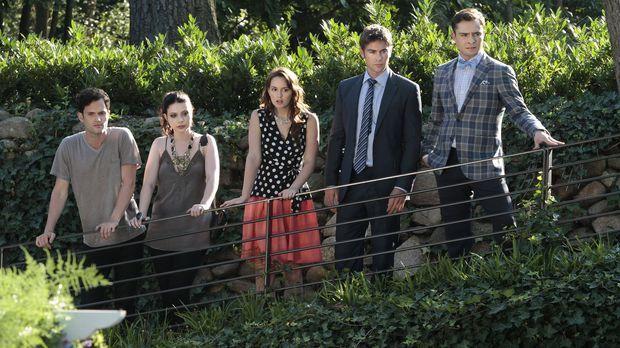(v.l.n.r.) Dan (Penn Badgley), Georgina (Michelle Trachtenberg) , Blair (Leig...