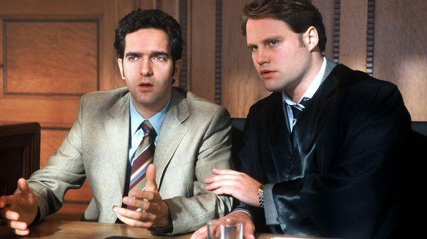 Diesem Angeklagten (Thomas M. Held, l.) kann selbst der beste Anwalt (Mirco R...