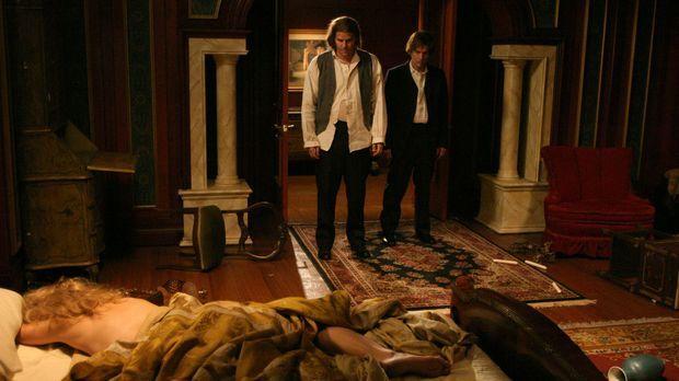 Angel (David Boreanaz, M.) und Spike (James Marsters, r.) müssen mit Schrecke...