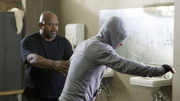 Criminal Minds - Bei den Ermittlungen in ihrem neuen Fall, gerät das Bau-Team...