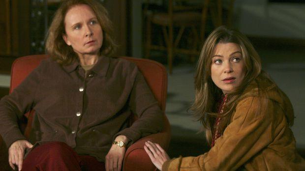 Meredith (Ellen Pompeo, r.) macht sich Sorgen, denn ihrer Mutter (Kate Burton...
