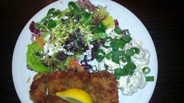 Schnitzel Wiener Art mit Omas Kartoffelsalat