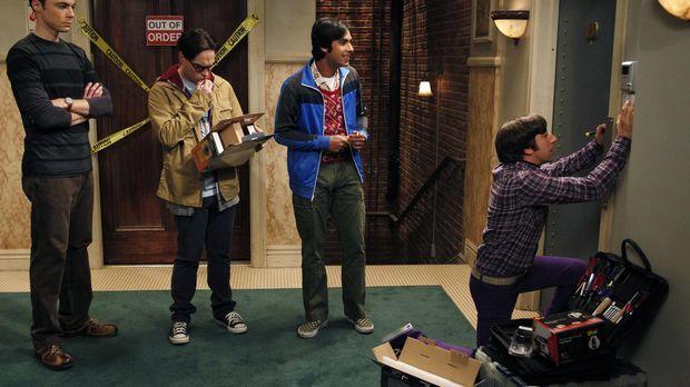 Als Sheldon (Jim Parsons, l.) und Leonard (Johnny Galecki, 2.v.l.) nach einem...