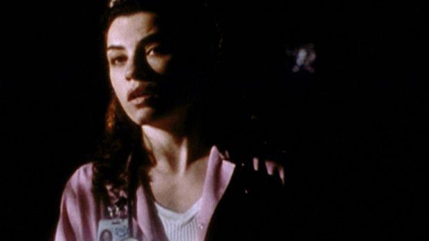 Carol (Julianna Margulies) versucht, auch während des Stromausfalls den Überb...