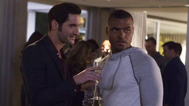 Auf einer Party verkuppelt Lucifer (Tom Ellis, l.) den jungen Footballspieler...