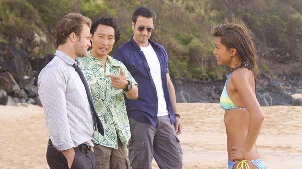 Nach Hawaii zurückgekehrt, um seinen Vater zu beerdigen, wird ein hochdekorie...