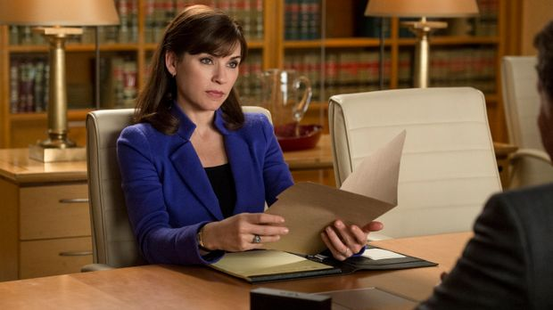 Alicia (Julianna Margulies) ist geschockt, als sie 12 Millionen Dollar von ei...