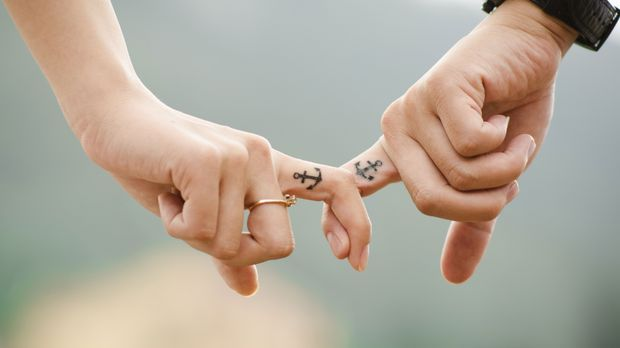 Finger-Tattoo-Liebe-pixabay