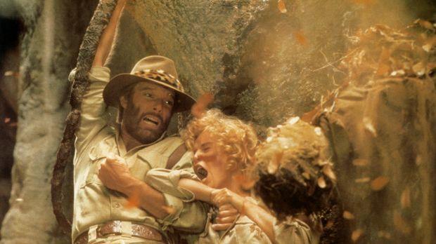 Auf der Suche nach seinem verschollenen Bruder geraten Abenteurer Allan Quate...