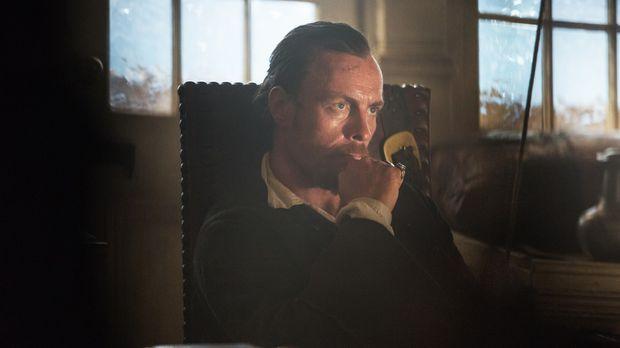 Wird Captain Flint (Toby Stephens) auf dem Handelsschiff wichtige Information...