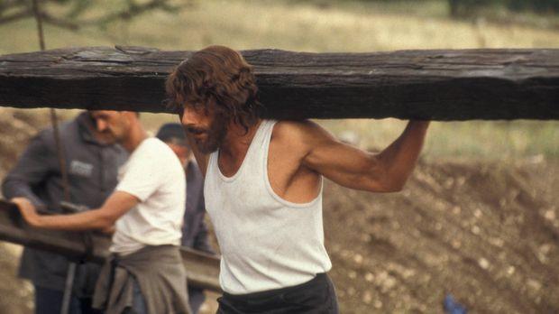 In der Hölle: Weil der Amerikaner Kyle LeBlanc (Jean-Claude Van Damme) den Mö...