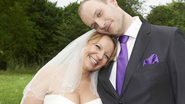 Sind sie immer noch glücklich miteinander? Bea (l.) und Tim (r.) ... © SAT.1