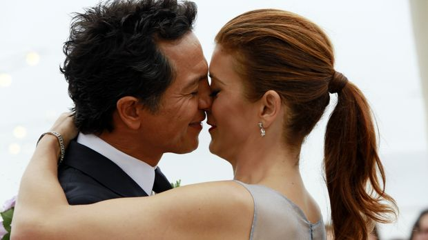 Sind glücklich miteinander: Addison (Kate Walsh, r.) und Jake (Benjamin Bratt...