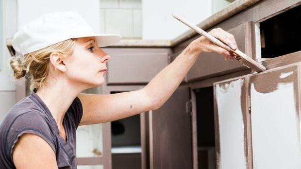 Küchenfronten streichen_renovieren_aetb_Fotolia_70885317