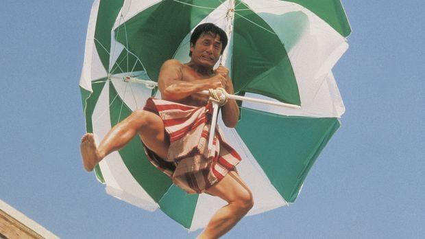 Eines Tages gerät der harmlose Sportartikelverkäufer Buck Yuen (Jackie Chan)...