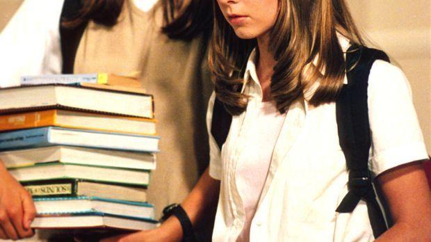 Mary (Jessica Biel, l.) und Ruthie (Mackenzie Rosman, r.) Kinder müssen sich...