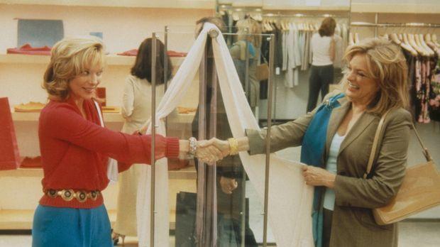 Gleich und gleich gesellt sich gern: Samantha (Kim Cattrall, l.) lernt Claire...