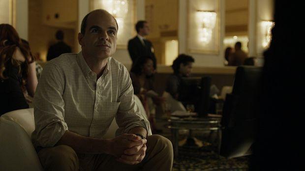 Was wird Doug Stamper (Michael Kelly) im Casino von Daniel Lanagin herausfind...