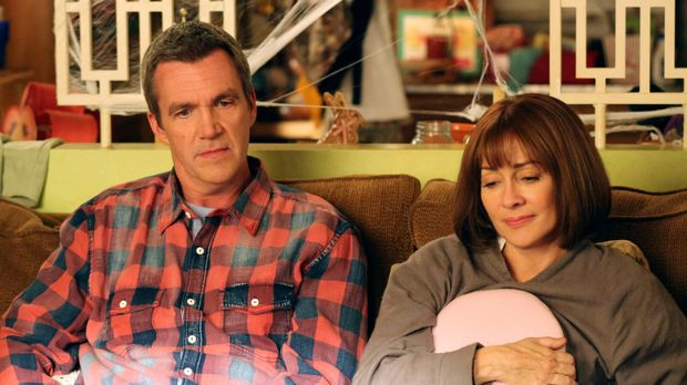 Mike (Neil Flynn, l.) und Frankie (Patricia Heaton, r.) sind wenig erfreut, a...