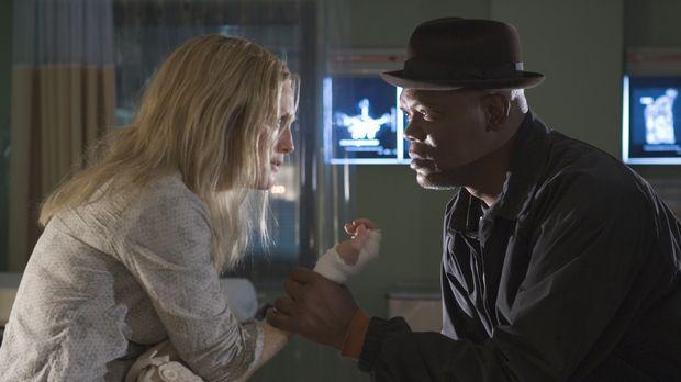 Detective Lorenzo Council (Samuel L. Jackson, r.) kann Brendas (Julianne Moor...