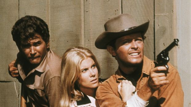 Hoss, Little Joe (Michael Landon, l.) und Candy (David Canary, r.) liefern in...