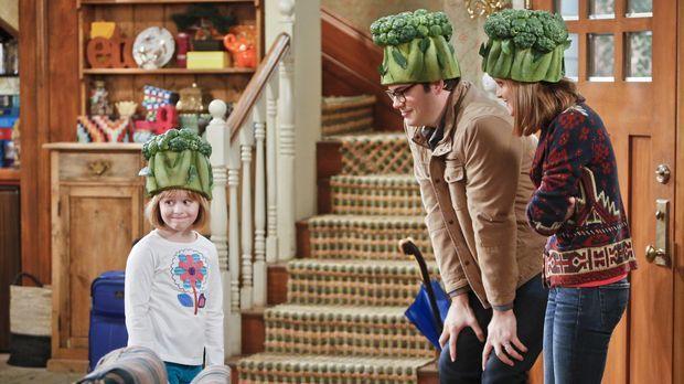 Während Debbie (Jayma Mays, r.) und Adam (Nelson Franklin, l.) zu einer Veget...