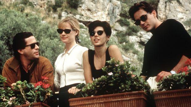 Faith (Marisa Tomei, 2.v.r.) reist mit ihrer Freundin Kate (Bonnie Hunt, 2.v....