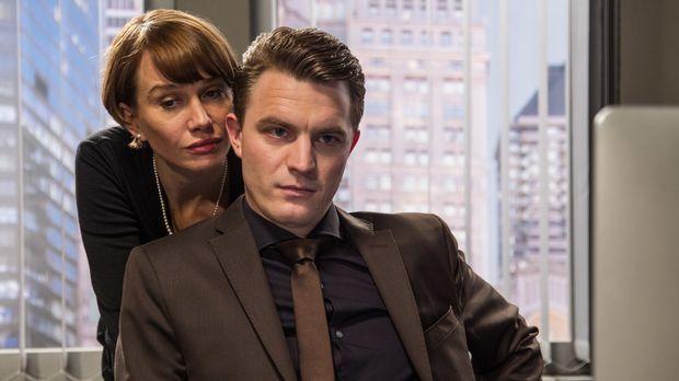 Theresa (Nadeshda Brennicke, l.) will ihren Ohren nicht trauen, als Tom (Frie...