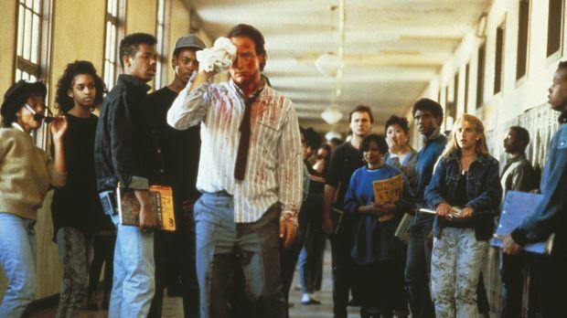 Als seine Kollegen den Widerstand aufgeben, sagt ihnen der Lehrer Rick Latime...