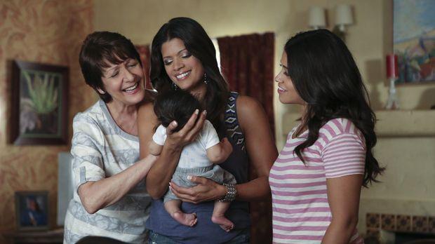 Sind stolz auf den kleinen Mateo: Jane (Gina Rodriguez, r.), Xo (Andrea Naved...