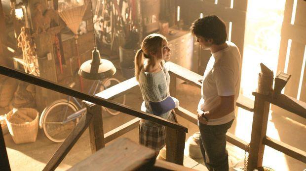 Obwohl Clark (Tom Welling, r.) früher schlechte Erfahrungen mit Alicia (Sarah...