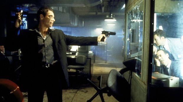 Ein Streiter für Recht und Ordnung: Marcus (Jean-Claude van Damme) ... © TriS...