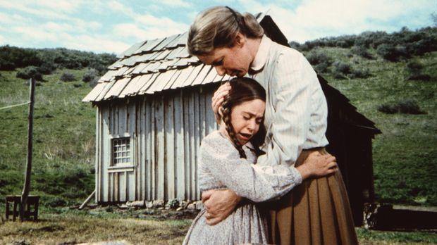 Cassandra (Missy Francis, l.) ist sehr traurig, weil ihr Bruder James im Koma...