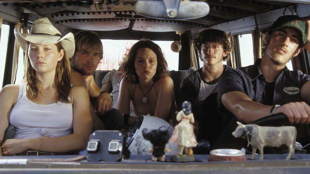 Eine Gruppe junger Leute, (v.l.n.r.) Erin (Jessica Biel), Andy (Mike Vogel),...