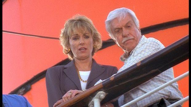 Mark (Dick Van Dyke, r.) kümmert sich um Clare (Brynn Thayer, l.), deren Mann...