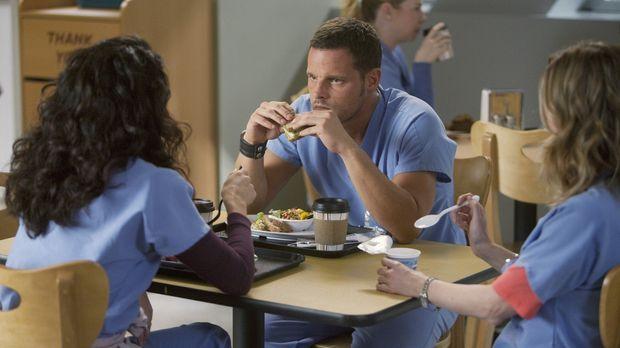Bekommen überraschenden Besuch: Cristina (Sandra Oh, l.), Meredith (Ellen Pom...