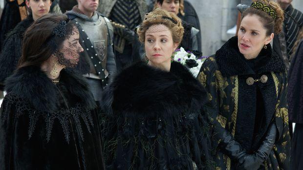 Die Beerdigung des Duke von Guise veranlasst Marys (Adelaide Kane, l.) Mutter...