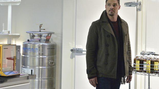 Vincent (Jay Ryan) willigt ein, Liam bei einer Mission zu helfen. Doch ist da...