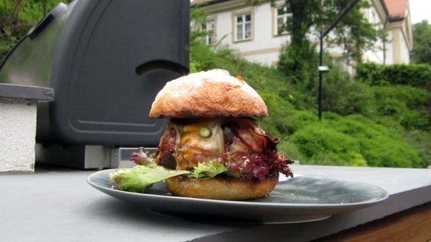 Folge6_Beer-Can-Burger_1neu