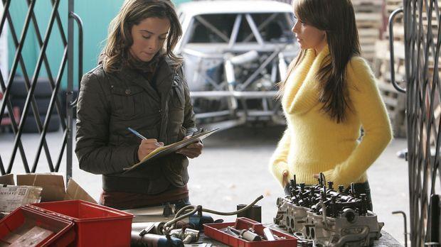Melinda (Jenifer Love Hewitt, r.) will Kontakt zu Cindy (Abigail Spencer, r.)...