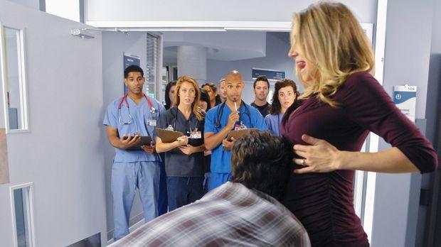 J.D. (Zach Braff, l.) beginnt seinen ersten Tag an der Medizinschule, der Win...