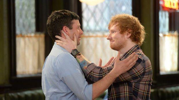 Ein großer Fehler: Justin (Brent Morin, l.) hat Ed Sheeran (r.) aus seiner Ba...
