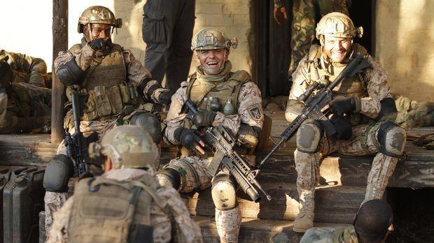 Tief im Kongo können US-Elitesoldaten (v.l.n.r.: Eugene Khumbanyiwa, Tom Size...