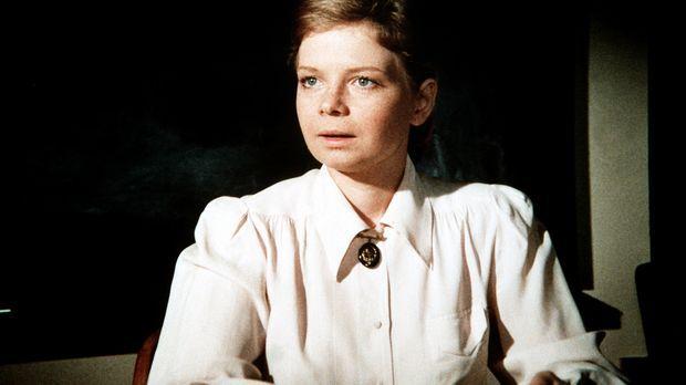 Megan Pollard (Catherine Burns), deren Vater ein bekannter Pädagoge war, vers...
