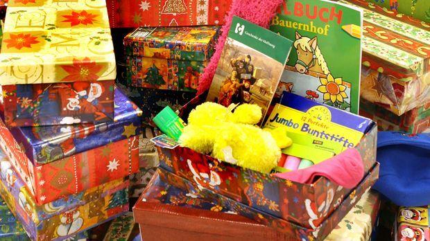 Geschenke_dpa © Verwendung weltweit, usage worldwide
