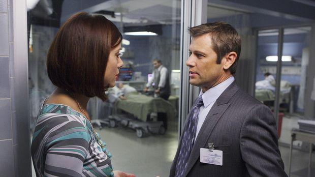 Archer (Grant Show, r.) hat bei Charlotte eine Stelle als Neurologe angenomme...