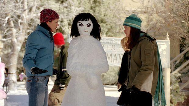 Noch ahnen Lorelai (Lauren Graham, l.) und Rory (Alexis Bledel, r.) nicht, da...