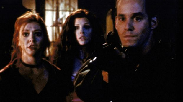 Willow (Alyson Hannigan, l.) und Xander (Nicholas Brendon, r.) müssen sich ge...